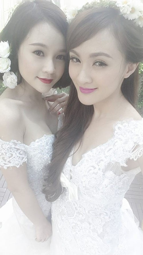 Hot girl Sam chup anh cuoi voi Kelly Tu Anh hinh anh 1