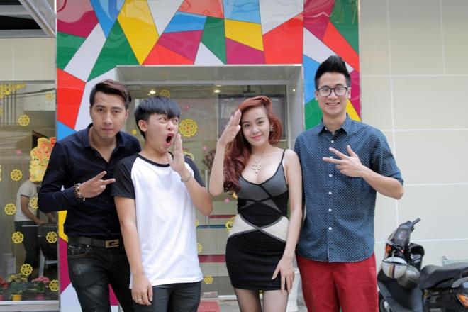 Chi Pu, Running Man khong lay tien cat-xe dong clip Pho Tet hinh anh 3