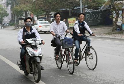 Anh Hoc Sinh Vo Tu Vi Pham Luat Giao Thong Hinh Anh 1