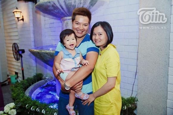 Gia đình nhỏ hạnh phúc của Đức Huy và Hà Thanh.