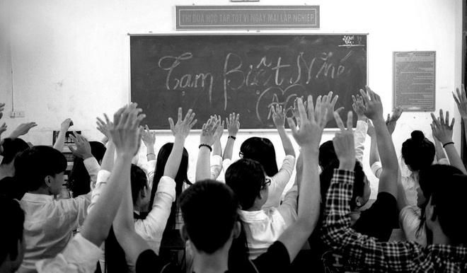 Anh chia tay tuoi hoc tro cua cac truong THPT thanh Vinh hinh anh 11 Tạm biệt thầy cô, bạn bè và mái trường. Kỷ niệm về thời học sinh sẽ luôn đi theo mỗi người trong suốt cuộc hành trình tiếp theo.