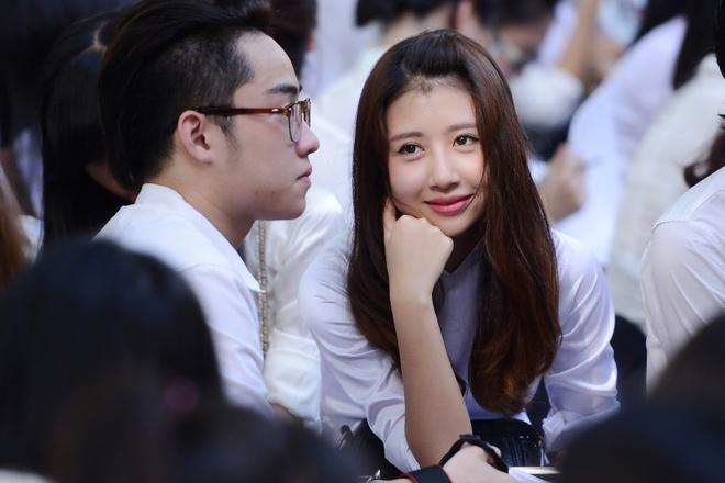 Nu sinh Phan Dinh Phung nghen ngao  trong phut chia tay hinh anh 3 Hot girl xinh đẹp Quỳnh Anh Shyn tâm trạng trong thời khắc chia tay mái trường, thầy cô, bạn bè.