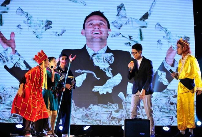 SV truong Bao dong Ton Ngo Khong di thue nha tro hinh anh 3 Việc thuê nhà trọ của sinh viên gặp nhiều phiền toái bởi những mưu mô quảng cáo. Sự cạnh tranh, ganh đua để tranh giành khách hàng là tân sinh viên khiến họ đôi khi rối như tơ vò.