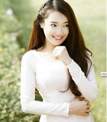 7 hot girl Viet tung noi trong cong dong mang quoc te hinh anh 2 11