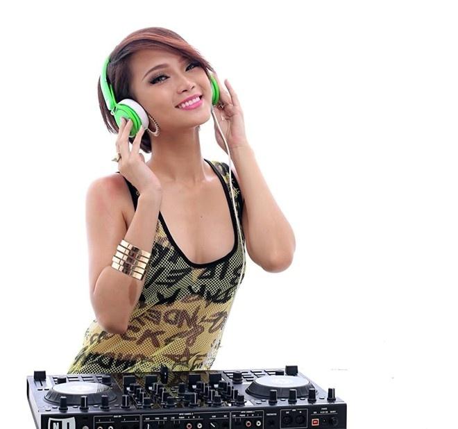 Nhung nu DJ nong bong cua The Remix hinh anh 5 DJ King Lady sinh năm 1993, có kinh nghiệm hơn 1 năm với nghề nghiệp. Cô đã xuất hiện trên những sân khấu lớn cửa Sài Gòn.