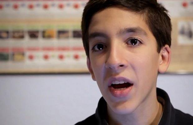 """Cac 9X so huu tri thong minh sieu viet nhat hien nay (P 1) hinh anh 12 Santiago Gonzalez (16 tuổi)nhận biết bảng chữ cái năm 2 tuổi, học phép trừ năm 4 tuổi và trở thành sinh viên toàn thời gian năm 12 tuổi. Mỗi ngày cậu đều dậy từ 5:30 để lập trình ứng dụng iPhone, iPad và đã """"bỏ túi"""" 15 sản phẩm. Cậu có mục tiêu trởi thành nhân viên của Apple."""