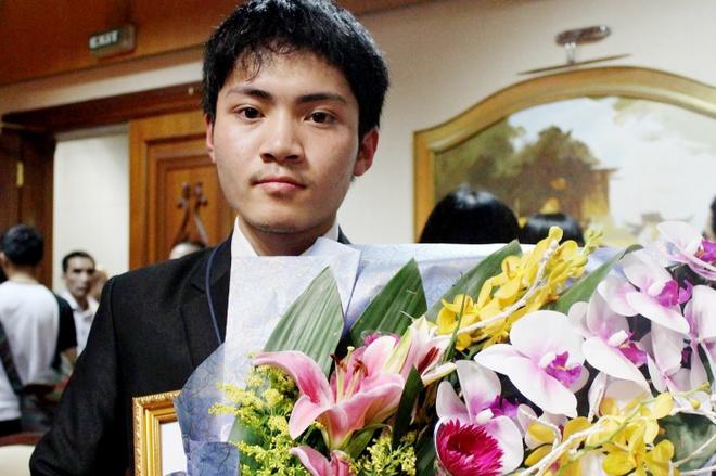Chang trai vang Olympic Vat ly chau A biet doc tu 4 tuoi hinh anh