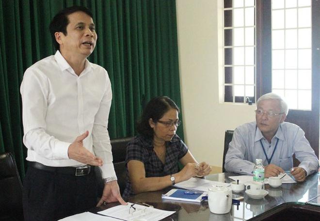 Bo GD&DT luu y thoi gian boc tui dung de thi hinh anh 1 Thứ trưởng Bộ GD-ĐT Phạm Mạnh Hùng phát biểu tại buổi làm việc với UBND tỉnh Đắk Lắk về công tác tổ chức thi THPT quốc gia năm 2015.