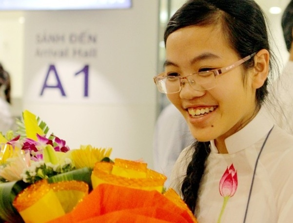 Nu sinh Viet gianh giai dac biet Olympic Vat ly quoc te hinh anh