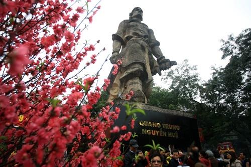 'Tre hieu sai ve Quang Trung - Nguyen Hue la duong nhien' hinh anh