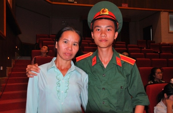 Nhung thi sinh duoc Bo truong Quoc phong, Giao duc dac cach hinh anh