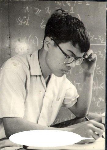 Vũ Đình Hòa trong kỳ thi toán năm 1974.