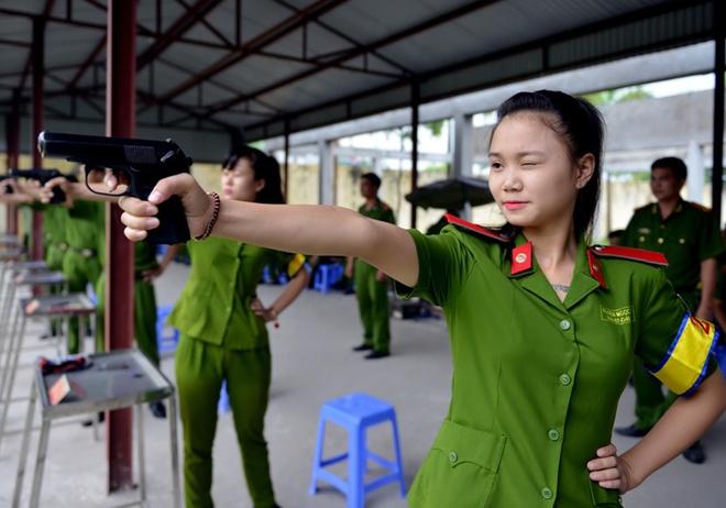 Bay truong khoi Cong an tuyen hon 3.600 chi tieu hinh anh