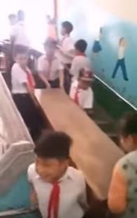 'Phan doi hoc sinh be ban ghe la tao nen the he long kinh' hinh anh 2