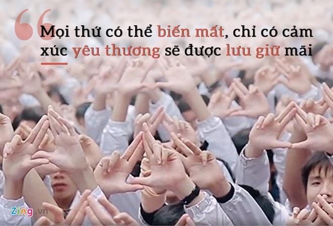 Thay Van Nhu Cuong khoc khi hoc tro hat tang vao de thi Ngu van hinh anh 2