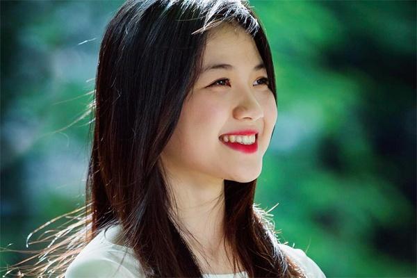 Thu khoa DH San khau Dien anh: 'Xinh dep la loi the lon' hinh anh