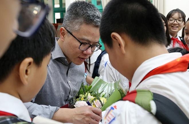 GS Ngo Bao Chau: Ban tre theo nganh nghe nao cung nen gioi Toan hinh anh