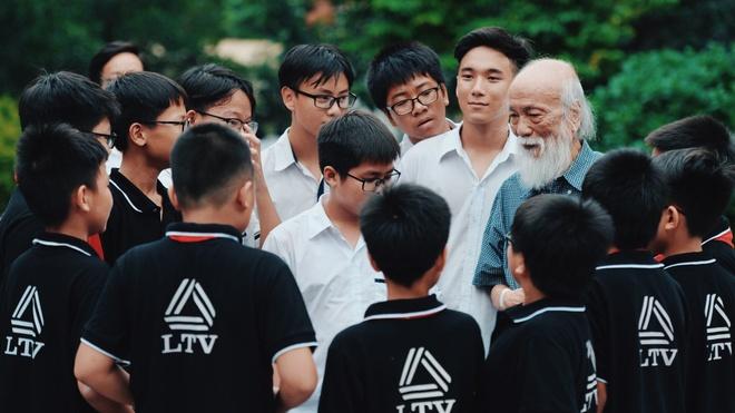 PGS Van Nhu Cuong va quan diem giao duc lam nguoi tu te hinh anh