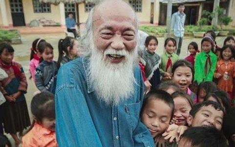 Gia dinh se dung tien vieng PGS Van Nhu Cuong xay truong vung cao hinh anh