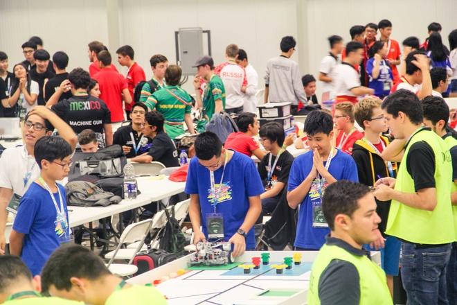 Hoc sinh Viet Nam lot top 10 cuoc thi Robotics the gioi hinh anh 1