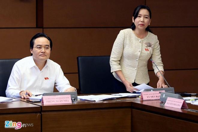 Bo truong Phung Xuan Nha tra loi chat van 3 van de nong cua giao duc hinh anh 1