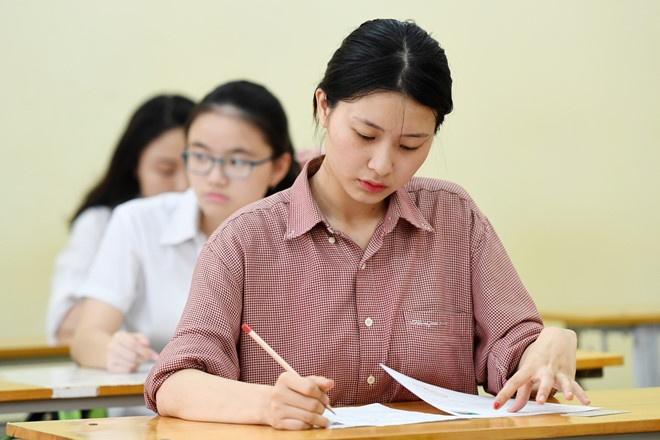 Bo GD&DT khong cong bo dap an sau khi thi sinh ra khoi phong thi hinh anh