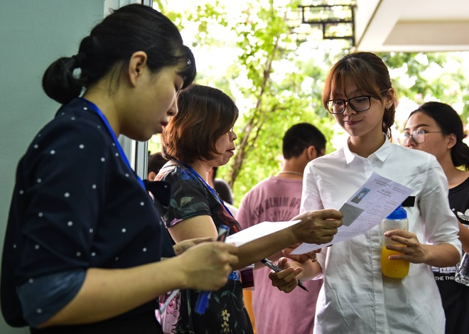 PGS.TSKH Vu Dinh Hoa: Ban ra de thi Toan can rut kinh nghiem hinh anh