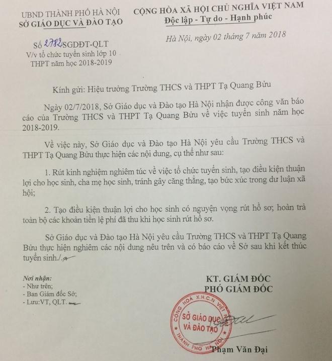 Truong 'nhay' diem chuan 46 len 50,5 sau mot dem phai hoan tra le phi hinh anh 1