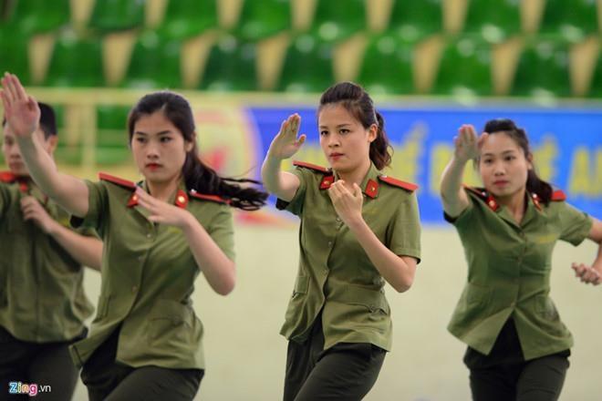 Neu duoi thi sinh Hoa Binh gian lan diem, Bo Cong an khong goi bo sung hinh anh 1