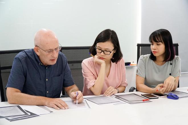 Chuyen gia nuoc ngoai giai de thi Tieng Anh THPT quoc gia 2019 hinh anh 1