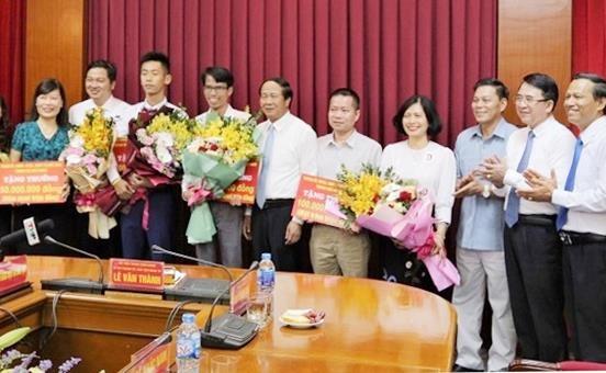 Hai Phong thuong 900 trieu cho huy chuong vang Olympic Toan quoc te hinh anh 1