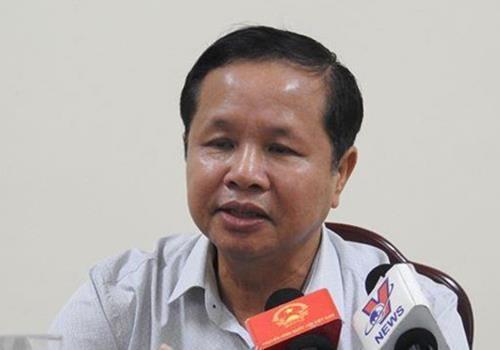 Dang bi xem xet ky luat, giam doc So GD&DT Hoa Binh xin nghi chua benh hinh anh 1