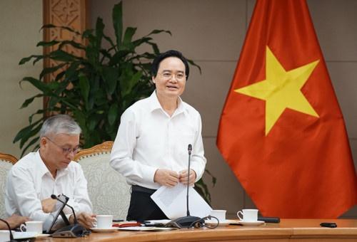 Bo truong GD&DT: 'Khong may moc nao thay the duoc con nguoi' hinh anh 1