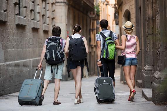 Kết quả hình ảnh cho Đi du lịch nước ngoài không xin phép, 4 cô giáo ở Quảng Ninh bị yêu cầu kỷ luật