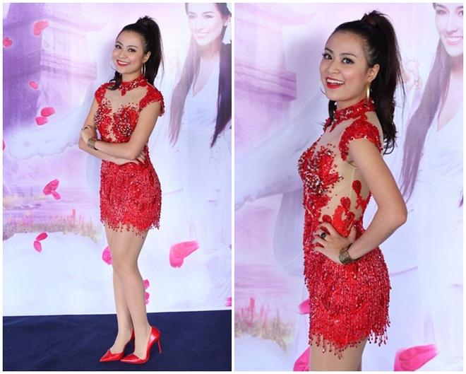 Hong Que, Hoang Thuy Linh mac 'sen' nhat tuan hinh anh 1