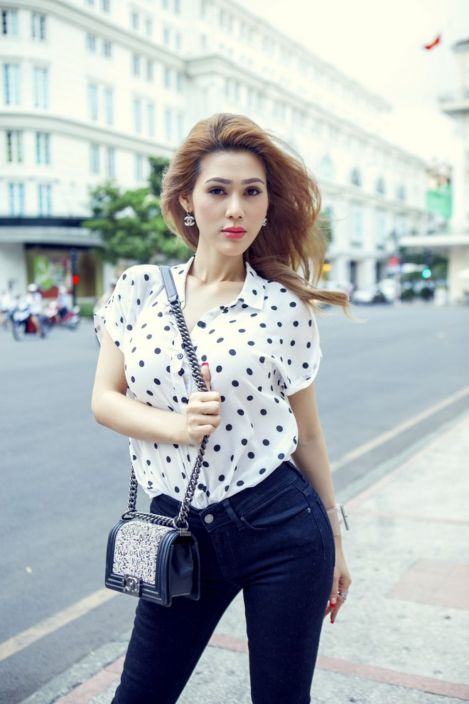 Dinh Phuong Anh xuong pho voi tui Chanel 140 trieu dong hinh anh 8