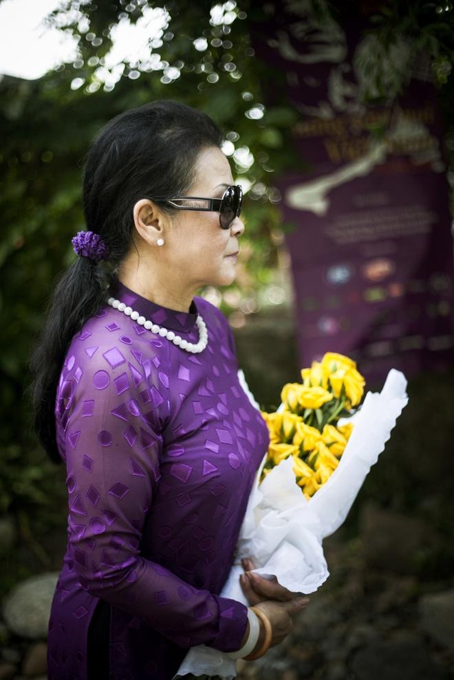Khanh Ly tham mo Trinh Cong Son khi vua ve Viet Nam hinh anh 1