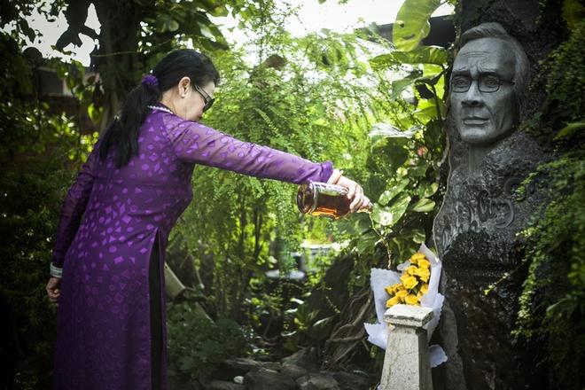 Khanh Ly tham mo Trinh Cong Son khi vua ve Viet Nam hinh anh 6