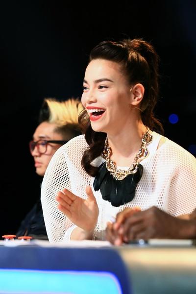 Top 5 gu thoi trang tren ghe nong anh huong showbiz Viet hinh anh 5