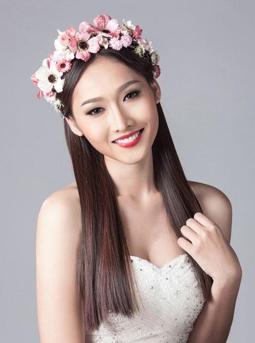 My nhan Viet chuong trao luu deo vong hoa thien than hinh anh 19