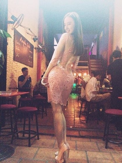Angela Phuong Trinh nghien style khoe duong cong sexy hinh anh 4