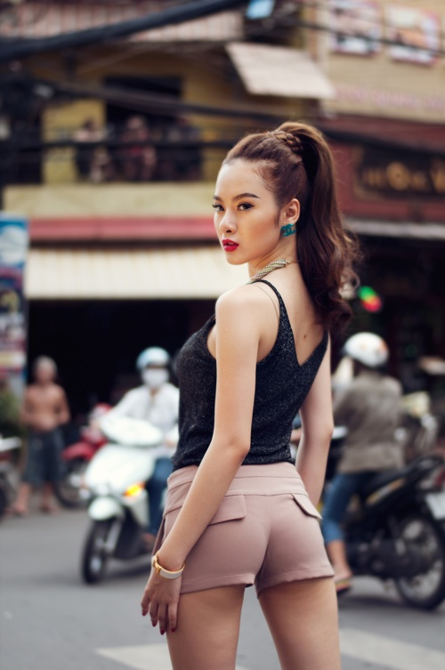 Angela Phuong Trinh nghien style khoe duong cong sexy hinh anh 8