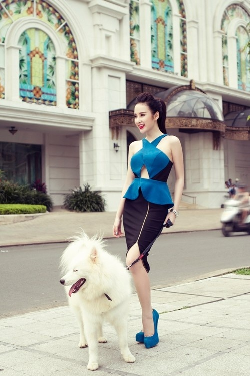Angela Phuong Trinh nghien style khoe duong cong sexy hinh anh 10