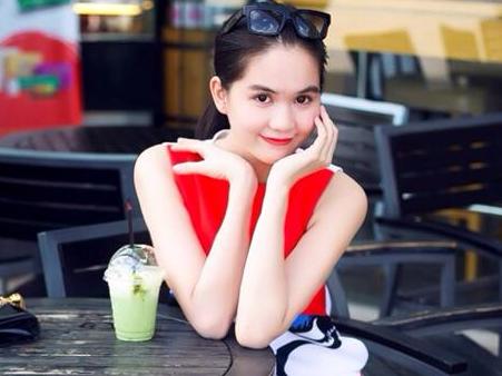 Ha Ho, Ngoc Trinh mac doi thuong sanh dieu nhat tuan qua hinh anh