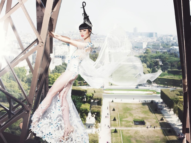 Jessica Minh Anh bien thap Eiffel thanh san catwalk hinh anh