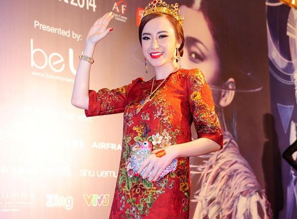 Thanh Hang, Angela Phuong Trinh vao top sao dep tuan qua hinh anh