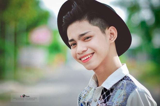 Lo dien top 20 thi sinh Fashionista Vietnam phia Nam hinh anh