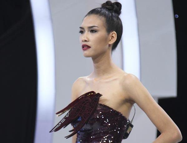 Xuan Lan bi chui tham te khi cuu Nguyen Oanh Next Top Model hinh anh