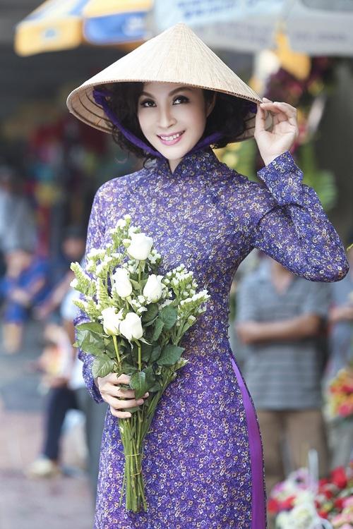 10 mau ao dai truyen thong dep nhat xuan At Mui cua sao Viet hinh anh 4