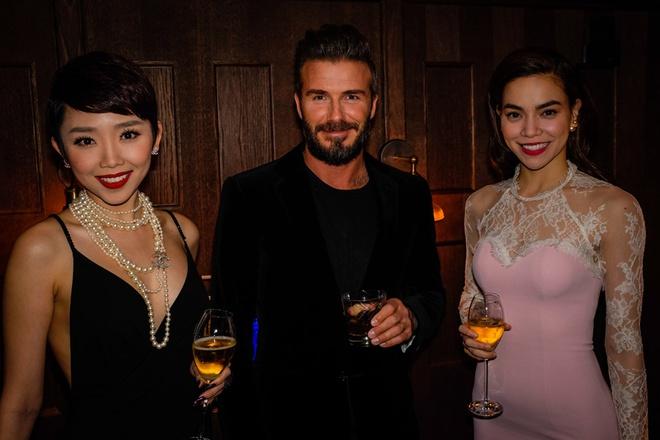 Toc Tien - Ha Ho quyen ru ben canh David Beckham hinh anh